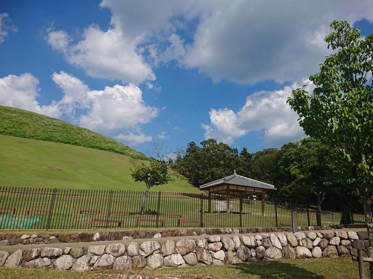 【若草山】都心でも猛暑が涼しく過ごせるところ【気温35℃でも涼しい】